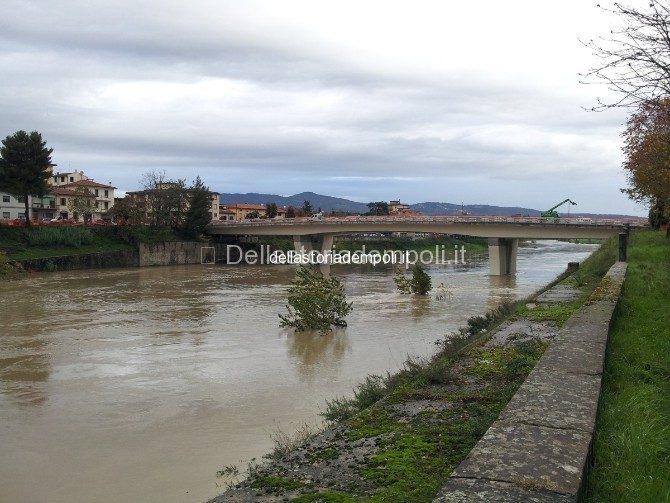 Arno In Livello Di Guardia 13/11/2012 – Foto E Filmato.
