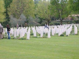 War Cemetery del Girone: un caduto neozelandese nella zona di Empoli.