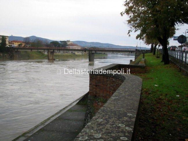 """Empoli, Ponte """"Vecchio"""" Nov 2005, Veduta Da Valle"""