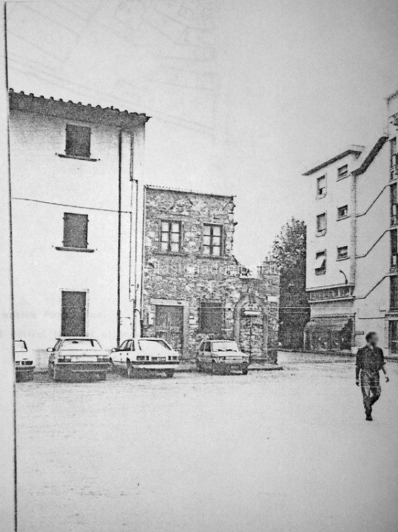 Piazza Guido Guerra E Il Vecchio Rudere Su Via Pievano Rolando – Di Carlo Pagliai