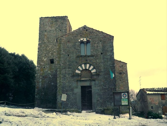 Un Gioiello Romanico In Pericolo: La Millenaria Storia Dell'Abbazia Di San Giusto Sul Montalbano – Di Paolo Santini