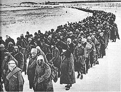 Colonna di soldati italiani in ritirata dalla Russia