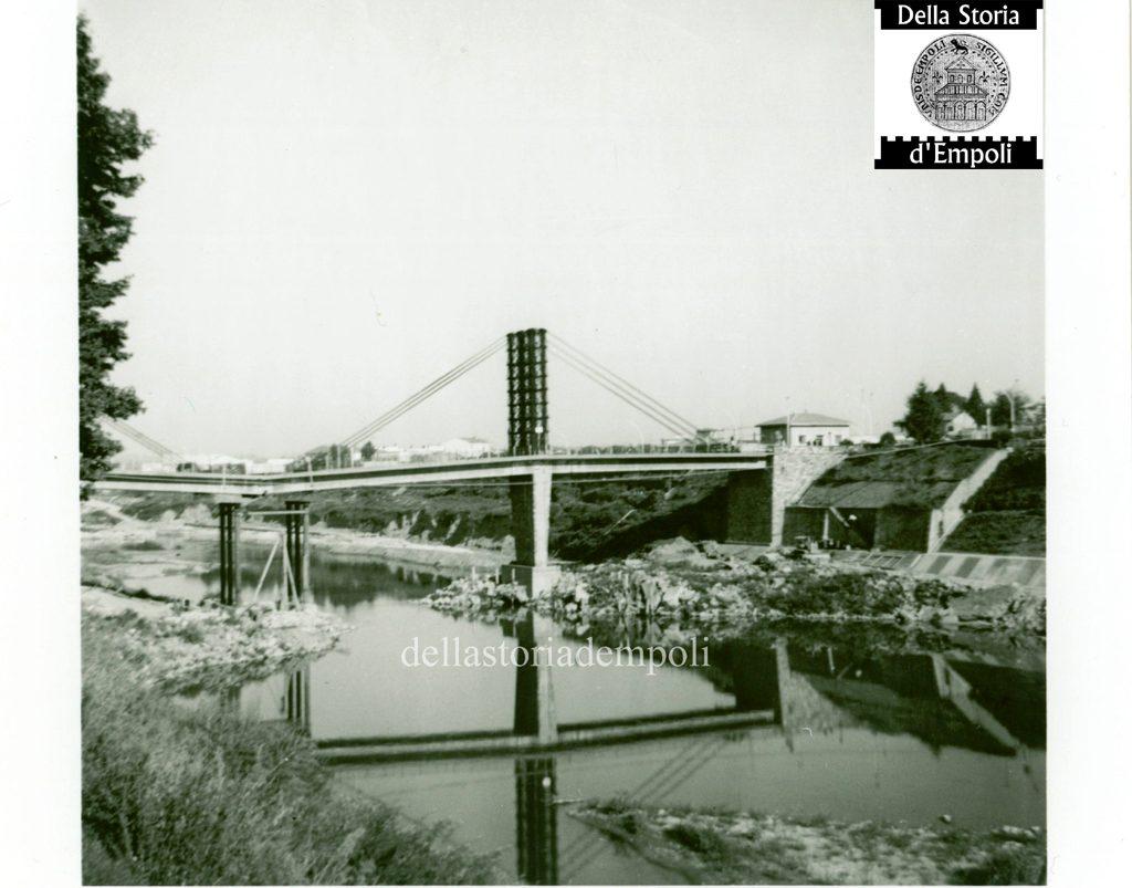 Arno Riparazione Ponte Vecchio Dopo Alluvione 1966