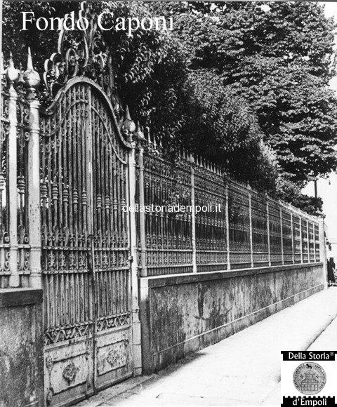 Cancello ex Villa Pini