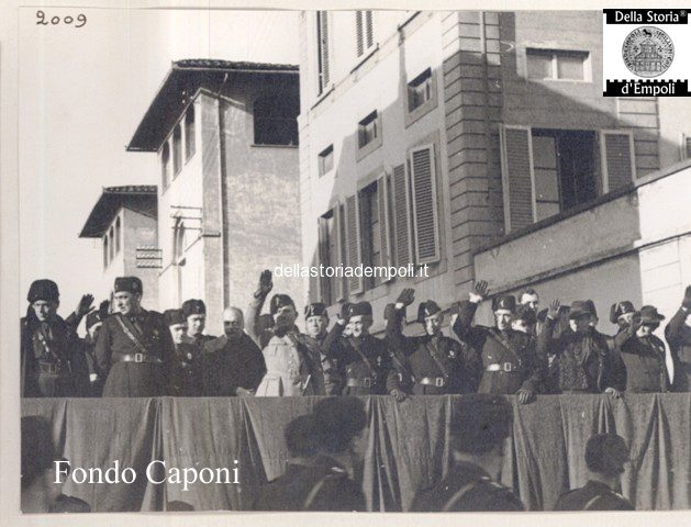 Fondo Caponi Empoli, Vol 2 Pagina 8: Adunate E Parate In Via Roma E Piazza Del Littorio