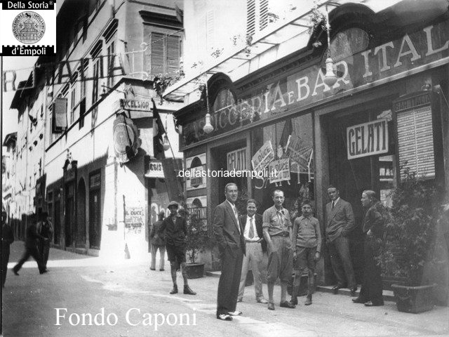 Fondo Caponi Empoli, Vol 1 Pagina 16: Via Giuseppe Del Papa, Piazza Garibaldi, Viale Della Rimembranza E Bar Italia