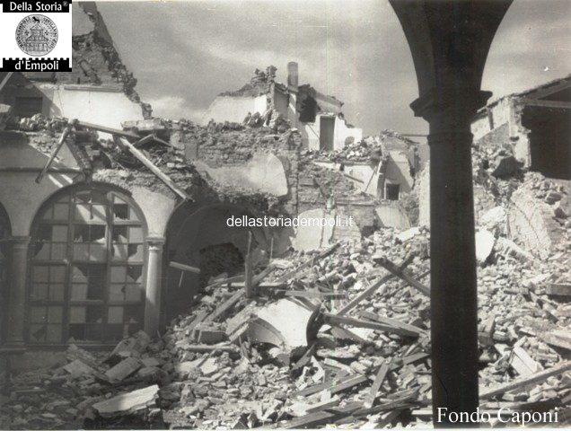 Cappelle laterali danneggiate dal crollo del campanile
