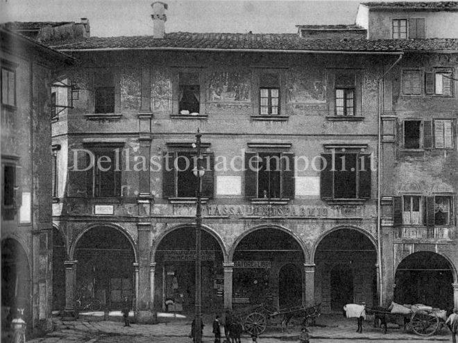 Empoli - Palazzo Ghibellino Piazza dei Leoni