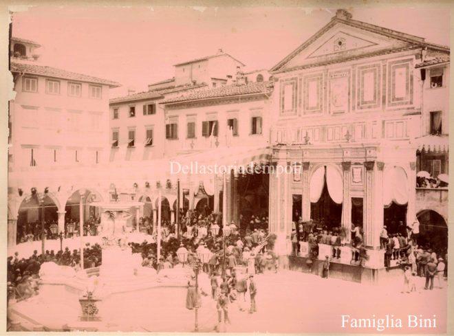 Empoli - Piazza dei Leoni Collegiata processione foto da Elena Bini