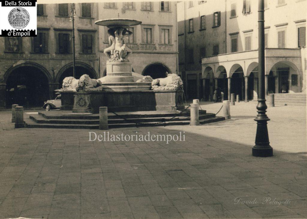 Piazza Dei Leoni, Pochi Anni Dopo La Guerra