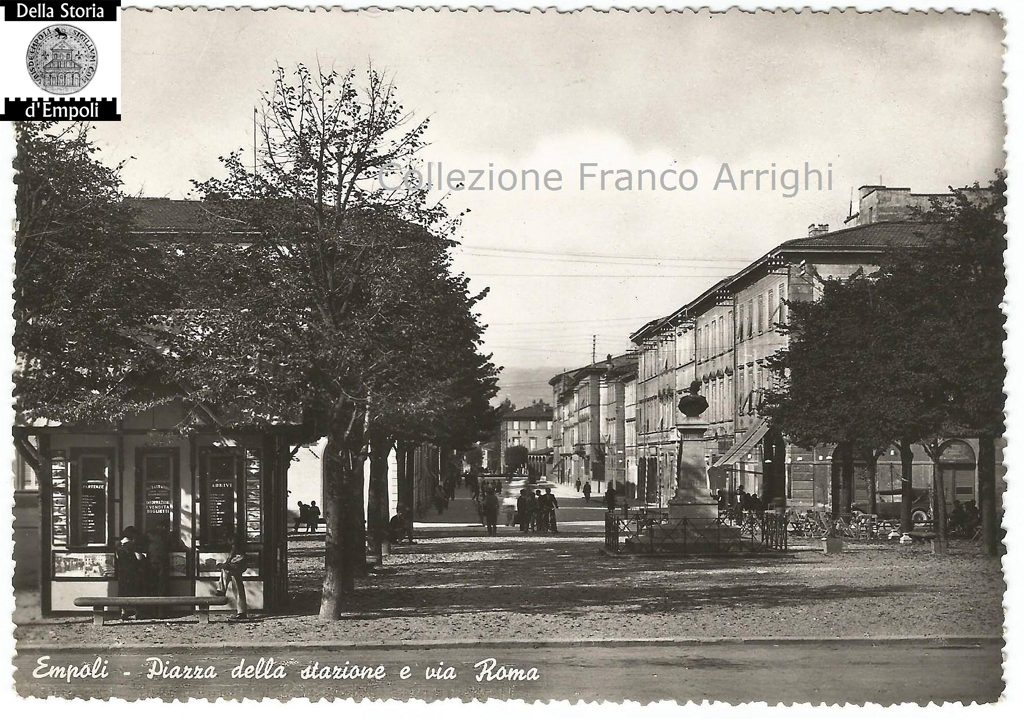 Piazza Della Stazione Col Busto Di Umberto I°