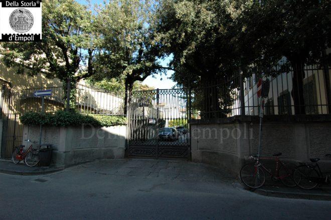 Empoli, via S. Lavagnini, ingresso Fattoria Parri - Foto di C. Pagliai