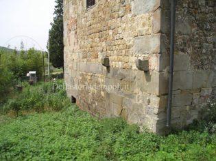 Lato ingresso cripta