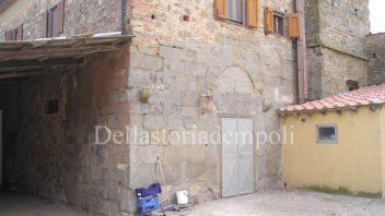 L'antico monastero di San Tommaso e Giorgio a Capraia fiorentina e i maiali da allevamento – di Paolo Santini