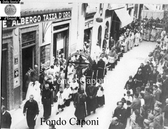 Processione via Giuseppe del Papa 2 all'Albergo Tazza d'oro