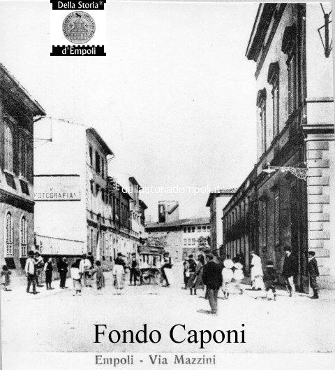 Via Mazzini, con sfondo Piazza G. Guerra