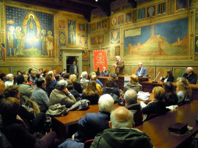 Un momento della serata, con la conferenza del Prof. Cipriani Foto di Francesco Fiumalbi