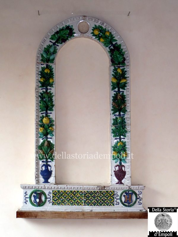 cornice - bottega Della Robbia