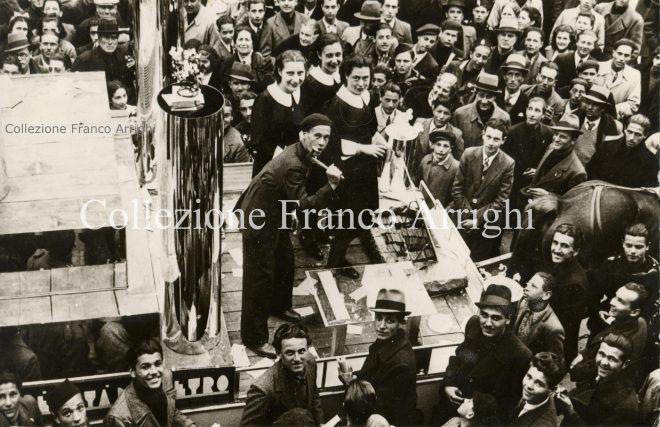 foto vetreria parata fascista