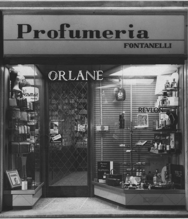 Facciata Della Profumeria Fontanelli Nel 1959